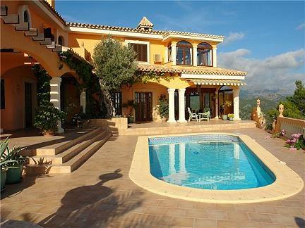 La tua vacanza a trieste villa con piscina e scenario - Immagini ville con piscina ...